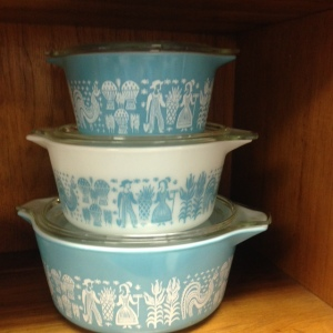Pyrex - Turquoise Amish Butterprint - Stacked