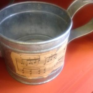 Music Tins 7