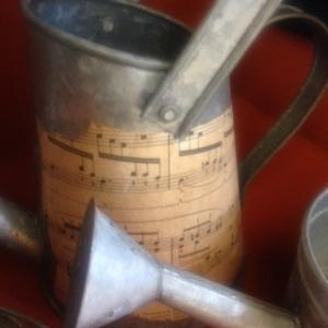 Music Tins 8