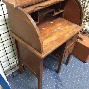 desk-childs-roll-top-9