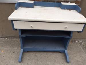 desk-blue-white-3
