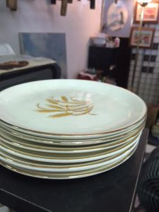 golden-wheat-dishes-6-bread-plates