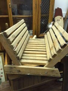 magazine-rack-wood-slats-2