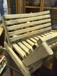 magazine-rack-wood-slats-4
