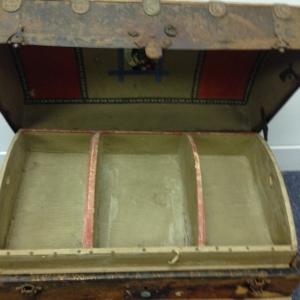 trunk-antique-open