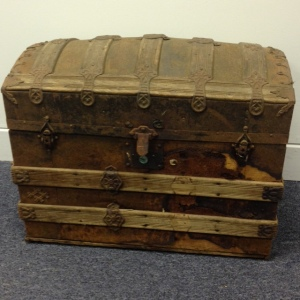 trunk-antique