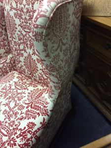 wingback-red-white-3