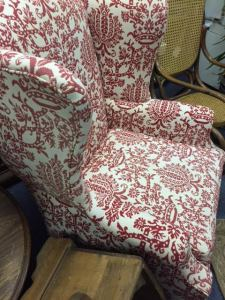 wingback-red-white-6