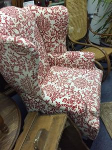 wingback-red-white-7
